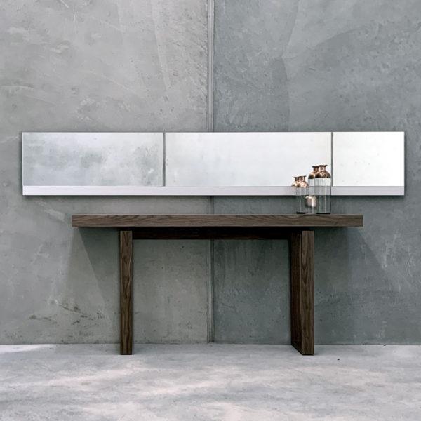 Void Mirror - Aluminium Feature